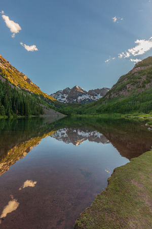 Maroon Bells Summer Reflection 免版税图像 - 101453687