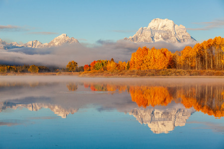 Teton Autumn Reflection Landscape Banco de Imagens - 105483051