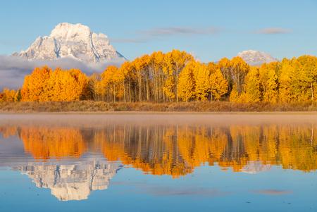 Teton Autumn Reflection Landscape Banco de Imagens - 105483066