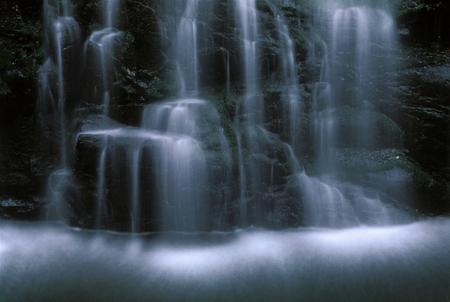 滝 写真素材 - 76396326