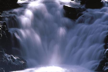 滝 写真素材 - 76396353