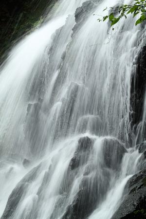 滝 写真素材 - 76396361