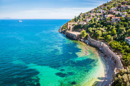 Sea beach in Alanya, Turkey. Beautiful summer landscape 免版税图像