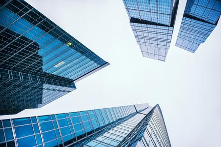 Nowoczesne szklane wieżowce w mieście Zdjęcie Seryjne