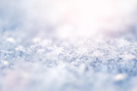 flocon de neige: Macro image des flocons de neige. Winter background. Petite profondeur de nettet�