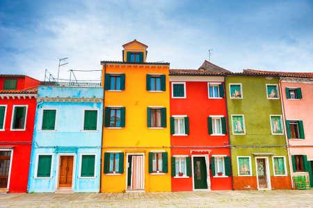 Colorful architecture in Burano island, Venice, Italy. Famous travel destination. Zdjęcie Seryjne