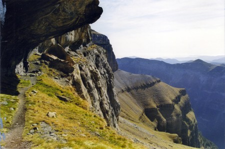Ordinal: Weg von Blumen, Berge in Ordesa, Pyren�en Lizenzfreie Bilder