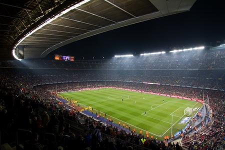 BARCELONA, ESPAÑA - 13 de diciembre de 2010: Vista panorámica del Camp Nou, el estadio del Fútbol Club Barcelona, ??equipo, antes de que el partido del FC Barcelona, ??- la Real Sociedad, resultado final 5-0.