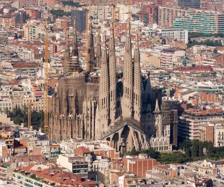 sagrada: Aerial view of Sagrada Familia, barcelona