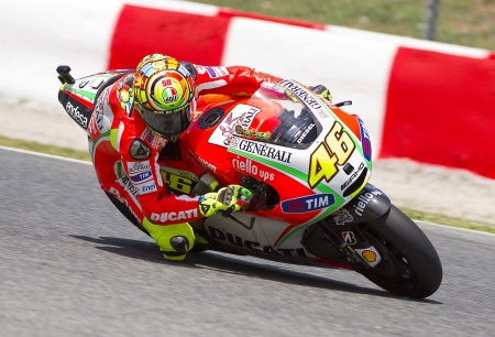 バルセロナ - 6 月 1 日: Valentino Rossi のドゥカティ チーム無料練習セッションの MotoGP グランド グランプリのカタルーニャで、2012 年 6 月 1 日スペイン