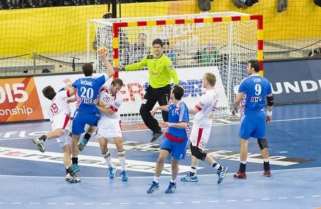 BARCELONA - 25. JANUAR: Einige Spieler in Aktion bei der Handball-WM-Halbfinale zwischen Dänemark und Kroatien Endergebnis 30-24, am 25. Januar 2013, in Barcelona, ??Spanien