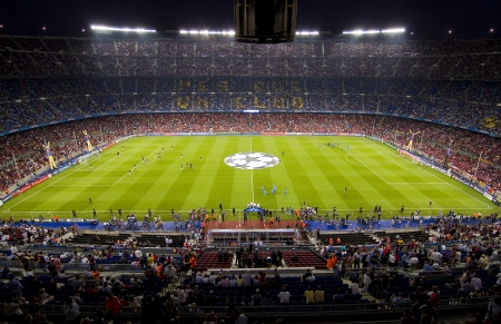 BARCELONA - SEPTEMBER 13: View of Camp Nou stadium before the Champions League match between FC Barcelona and AC Milan, 2 - 2, on September 13, 2011, in Camp Nou, Barcelona, Spain 에디토리얼