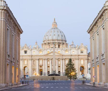 ローマのバチカンのバシリカ