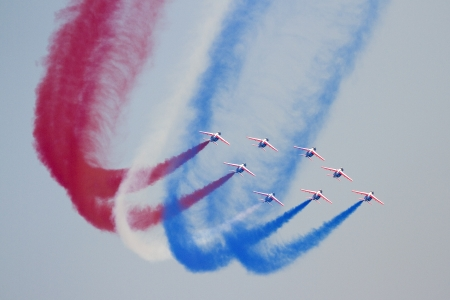 cel: Unidentified pilots of Patrouille de France perform acrobatics during the aerial plane exhibition Festa al Cel festival, on October 2, 2011 in Barcelona, Spain Editorial