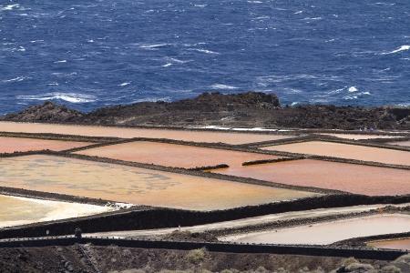 evaporacion: Estanques de evaporaci�n de sal en La Palma, Espa�a Foto de archivo