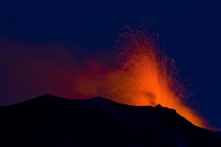 eolie: Volcanic eruption in Stromboli, Italy