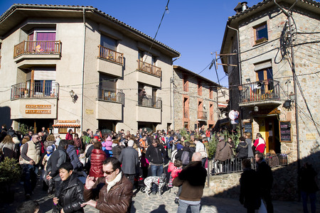 People visit the famous Fir Tree Fair to buy fir trees and other Christmas decoration for the upcoming festive season, on December 6, 2013, in Espinelves, Barcelona, Spain Stock Photo - 24329023