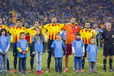 cesc: Catalonia players before the friendly football match between Catalonia and Cape Verde, 4-1, on December 30, 2013, in Barcelona, Spain
