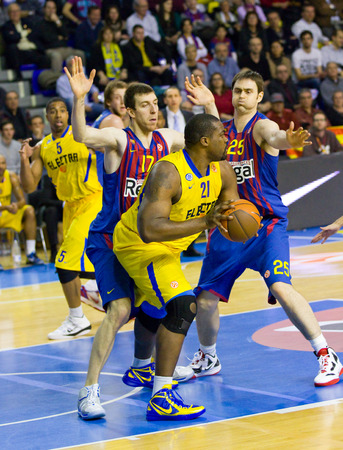 maccabi: Sofoklis Schortsanitis in action at the Euroleague basketball match between FC Barcelona and Maccabi Electra, final score 70-67, on February 29, 2012, in Barcelona, Spain