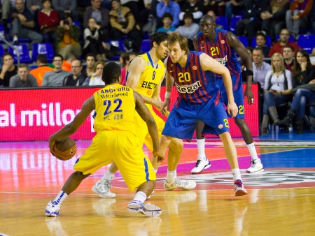 maccabi: Keith Langford in action at the Euroleague basketball match between FC Barcelona and Maccabi Electra, final score 70-67, on February 29, 2012, in Barcelona, Spain