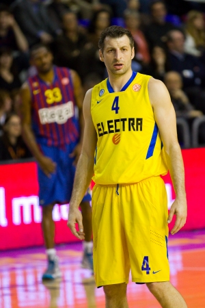 maccabi: Theodoros Papaloukas in action at the Euroleague basketball match between FC Barcelona and Maccabi Electra, final score 70-67, on February 29, 2012, in Barcelona, Spain