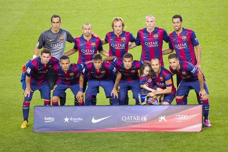FCB 選手ガンペール フレンドリーで写真のポーズ一致 FC バルセロナとクラブ レオン FC、最終スコア 6-0 で 2014 年 8 月 18 日、カンプ ノウ、バルセロナ