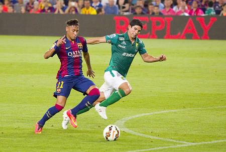 アクション ガンペール フレンドリーで FCB の Neymar ジュニア一致 FC バルセロナとクラブ レオン FC、最終スコア 6-0 で 2014 年 8 月 18 日、カンプ ノウ 報道画像