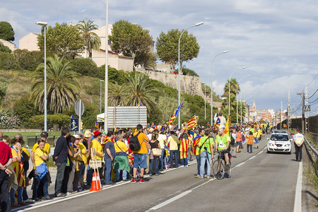 separatism: Catalans made a 400km human chain to show their desire for independence from Spain, on Sept. 11, 2013 in Barcelona, Spain. More than 1 million people took part in the event