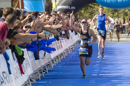 Anna Godoy, 2014 년 10 월 5 일, 스페인 바르셀로나에서 여성을위한 Garmin Barcelona Triathlon 수상 에디토리얼