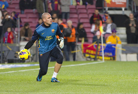 barsa: Victor Valdes of FCB in action at the Spanish League match between FC Barcelona and Osasuna, final score 5 - 1, on January 27, 2013, in Barcelona, Spain