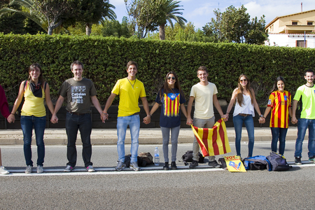 separatism: Catalans made a 400 km human chain to show their desire for independence from Spain, on Sept. 11, 2013 in Barcelona, Spain. More than 1 million people took part in the event Editorial
