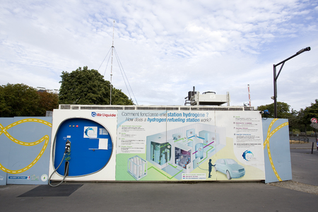 Hydrogen station in Paris. Foto de archivo