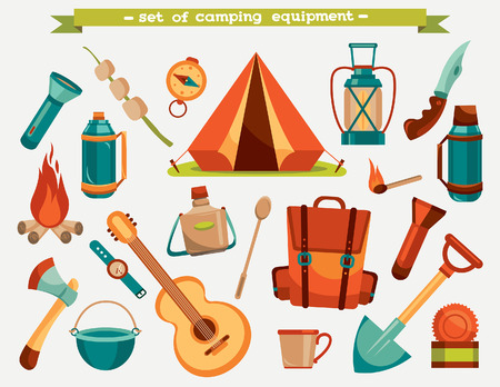izole nesneleri: Collection of camping equipment - tent, backpack, knife, flashlight and other. Vector tourism illustration. Set of isolated objects.