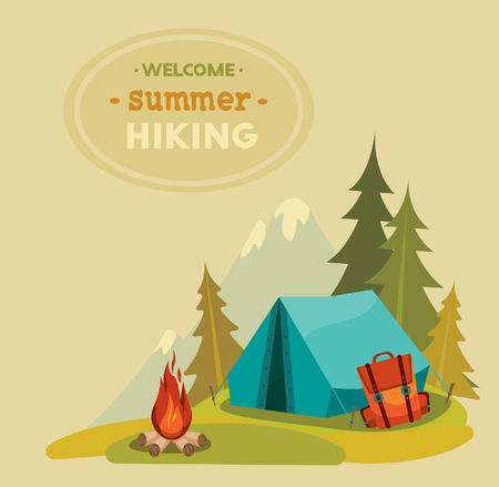 campamento: Senderismo verano - ilustración vectorial con la tienda azul, mochila y fogata en una hierba y la montaña de fondo verde.