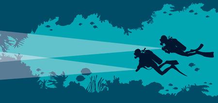 Sylwetka dwóch nurków i podwodnej jaskini z rybami i koralowce na niebieskim bakground morza. Ilustracja wektorowa oceanu. Morska przyroda i sport wodny.