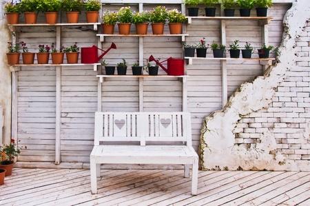 wall with chair  Standard-Bild
