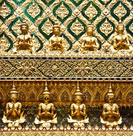 Ornamental wall in buddhist temple, Grand palace, Bangkok, Thailand  Stock Photo - 10501579