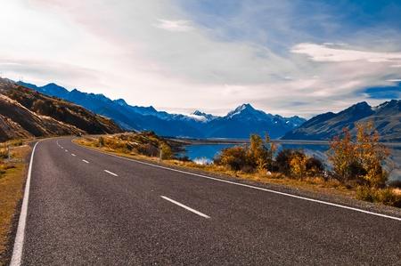 Weg naar Mount Cook en Pukaki meer, Nieuw-Zeeland Stockfoto