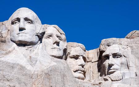 Mount Rushmore nationaal monument in South Dakota. Zomerse dag met een heldere hemel.