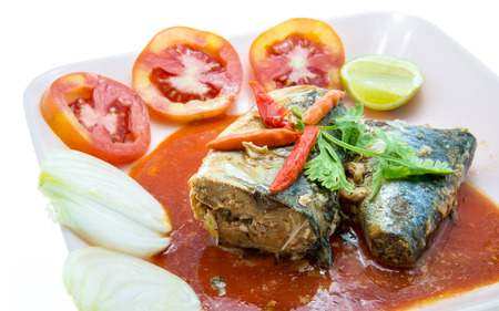 sardinas: Sardinas picantes en salsa de tomate Foto de archivo