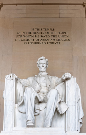 dc: Abraham Lincoln monument in Washington, DC