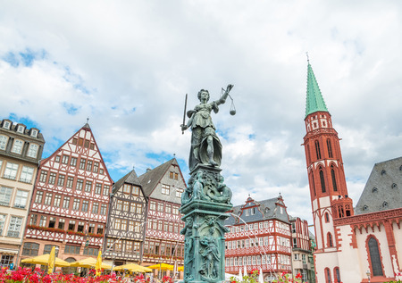 Centrum van de oude stad van Frankfurt. Roemer plaats Stockfoto