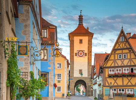 der: Beautiful view of the historic town of Rothenburg ob der Tauber, Franconia, Bavaria, Germany