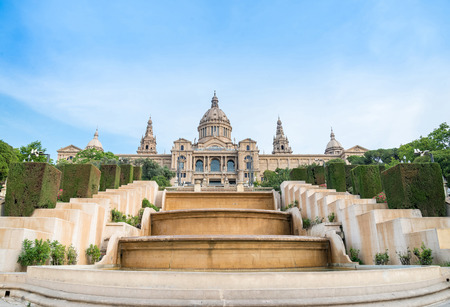 barcelone: Pla�a de Espanya, le Mus�e national � Barcelone. Espagne �ditoriale