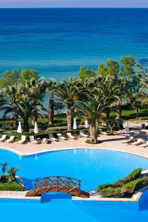lux: Swimming pool at luxurious Greek hotel