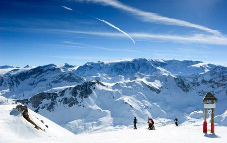 ski slopes: Pista da sci in Valle Meribel, Alpi francesi Archivio Fotografico