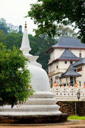 dagoba: White Stupa in the Royal Palace of Kandy in Kandy, Sri Lanka Stock Photo