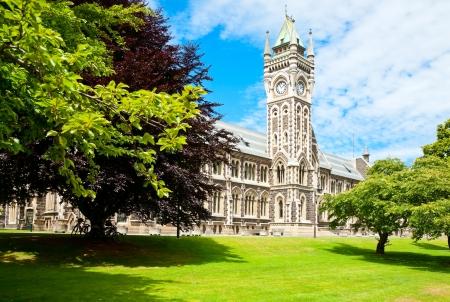 Clocktower van de Universiteit van Otago Registry Building in Dunedin, Nieuw-Zeeland