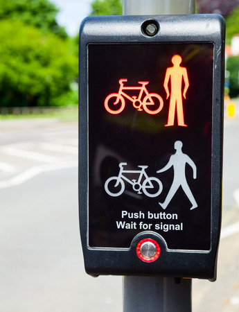 puffin: British pedestrian and cyclist crossing