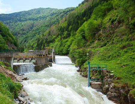 Kleine waterkrachtcentrale in Turkije Stockfoto